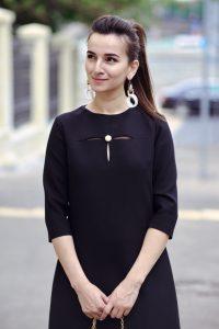 Платье черное с бусиной, длина миди в интернет-магазине купить