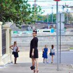 Платье черное с бусиной, длина миди в интернет-магазине www.dressex.ru