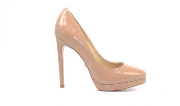 Туфли бежевые из лакированной кожи на платформе в интернет-магазине www.dressex.ru